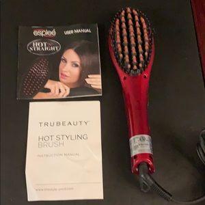 Tru Beauty Makeup - Tru Beauty hot styling brush.